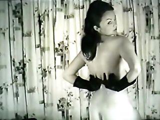 Erotic Nudes 619 50's And 60's - Scene 1