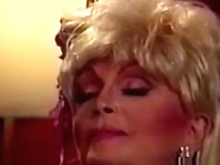 80s Retro Blonde With Phat Tits