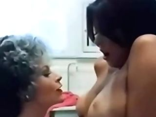 Retro Lady Entices A Youthfull Nubile For Lesbo Activity